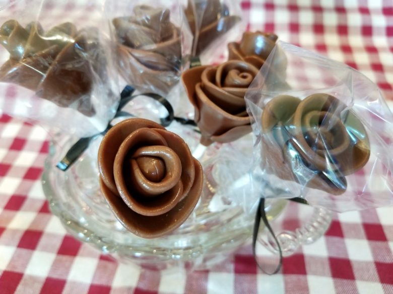 Tootsie Roll Roses: Super Cute and Really Easy to Make!