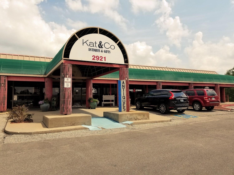 Kat & Co Antiques, St. Joseph, Missouri